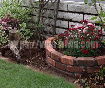 レンガで作るおしゃれな花壇